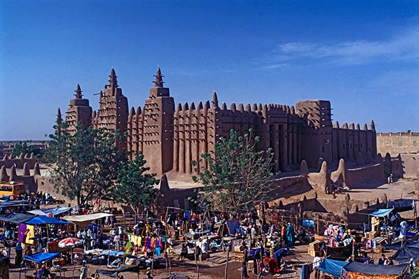 Market day at the Djenne mosque