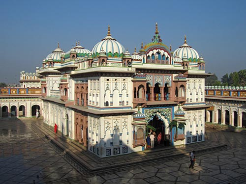 janakpuri-main-temple