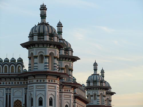 janakpuri-temple-towers