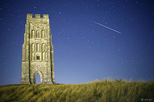 glastonbury-tor-meteor