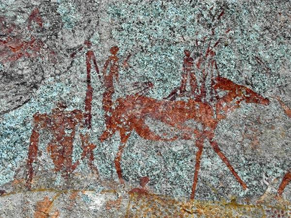 Felsmalereien der Höhle Matopo Hills Nswatugi