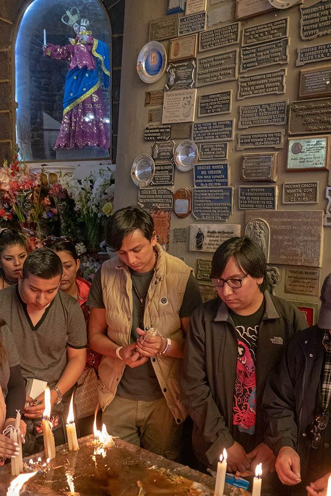 Pilger am Santuario de Virgen de Socavón, Oruro