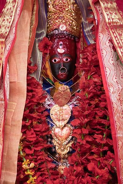 Statue de Shakti, temple Tripura Sundari