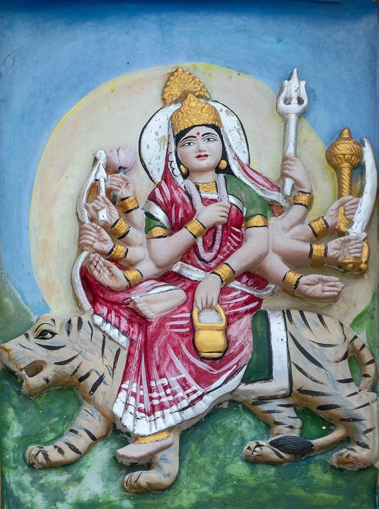 Scultura di Chamunda Devi, Brajeshwari Devi Shakti Peetha Temple, Kangra