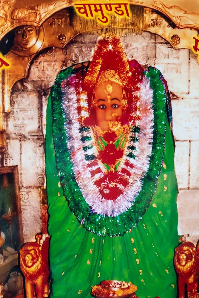 Statua di Chamunda Devi, tempio di Chamunda Devi