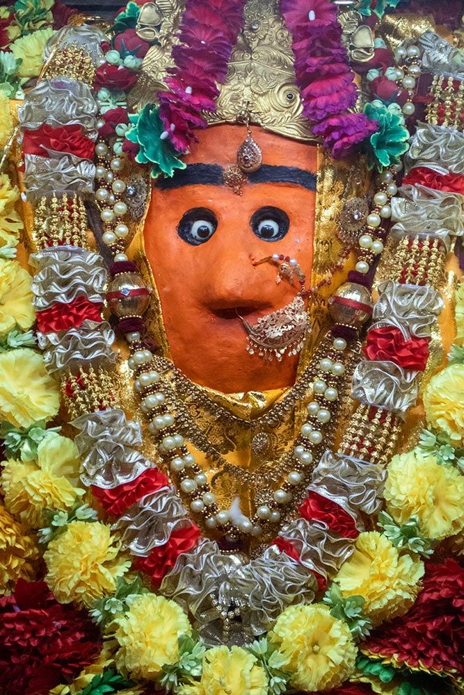 Ikone von Ganesh, Chamunda Devi Tempel