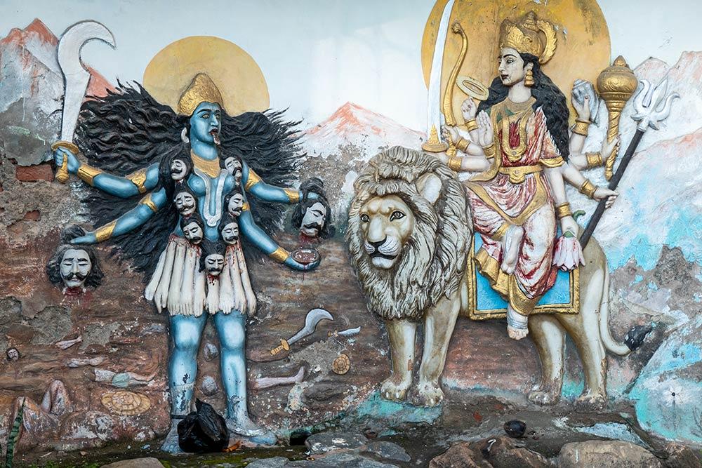 Escultura de las Diosas Kali y Chamunda Devi, Templo de Chamunda Devi