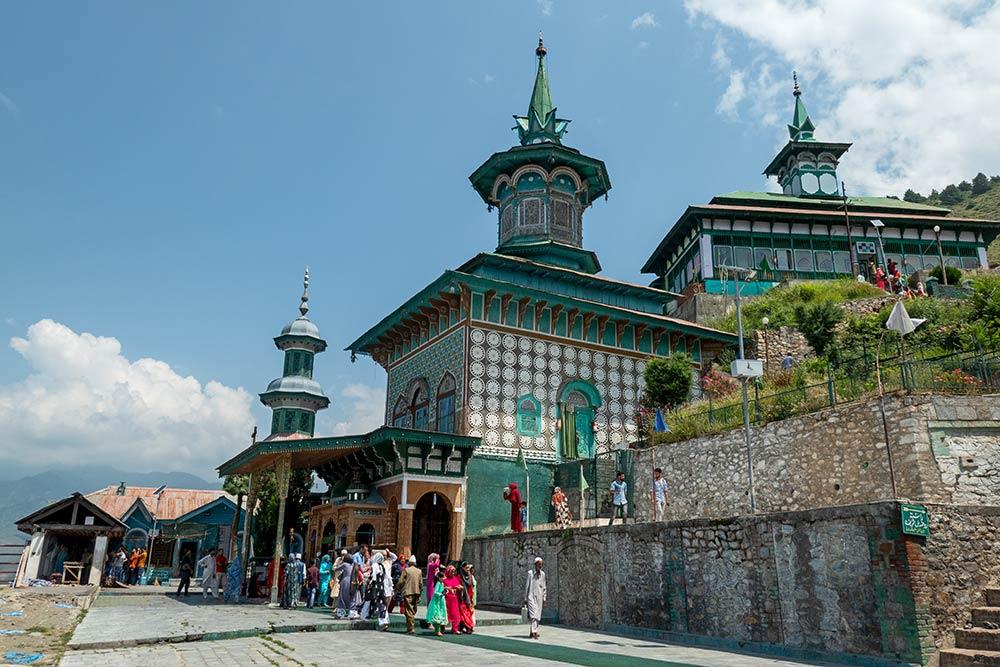 Santuario de Hazrat Zain Din Wali, Aishmuqam