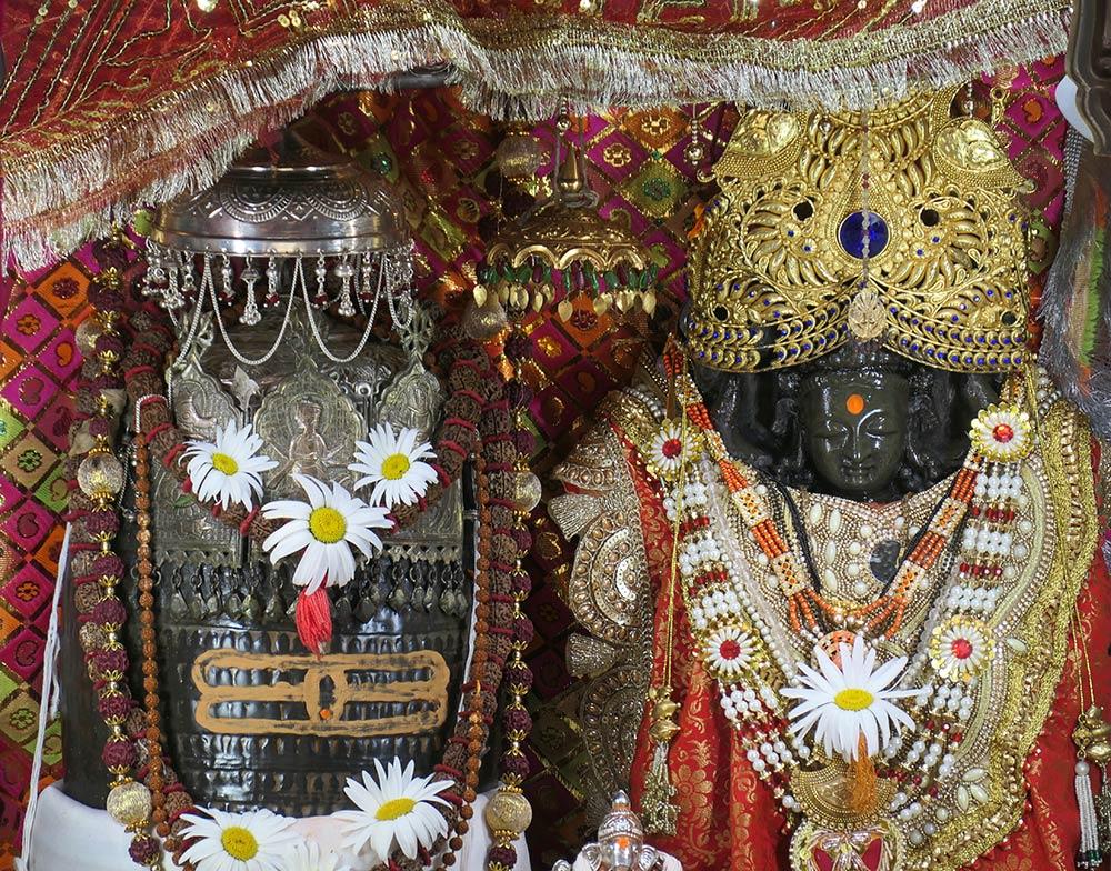 देवी रग्न्या देवी की मूर्ति, खीर भवानी मंदिर, टुल्ला