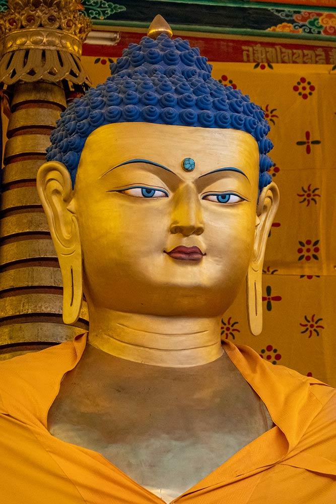 Hemis Gompa, Большая статуя Будды, главный алтарь