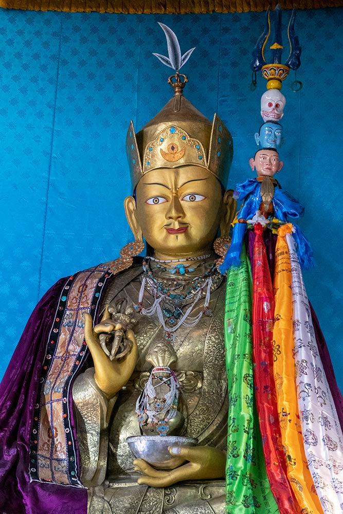Statue von Padmasambhava, Chemrey Gompa
