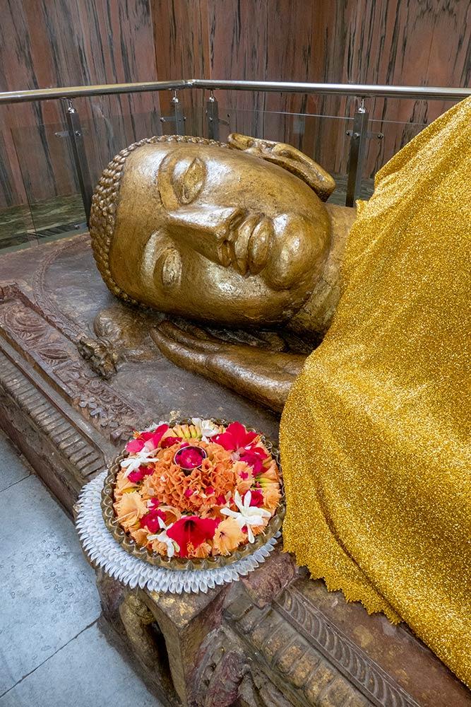 Лежащая статуя Будды, Ступа Махапаринирвана, Кушинагар