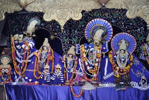 Krishna, Radha und tanzende Gopis, Vrindavan