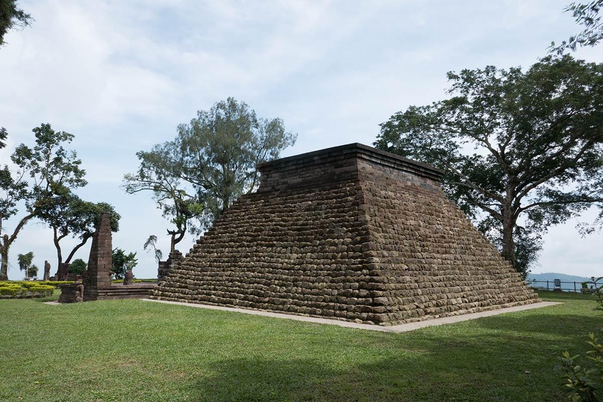 कैंडि सुकुह का पिरामिड, जावा