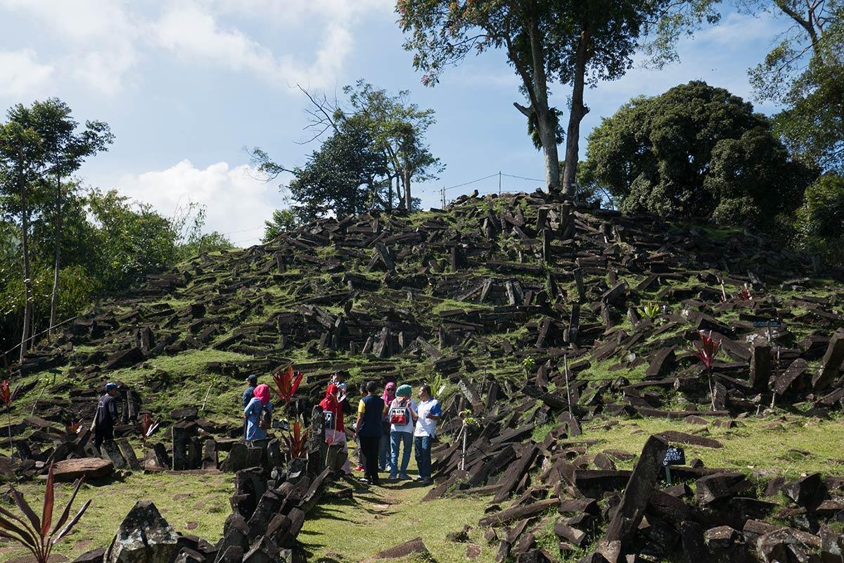Gunung-Padang-Java-1-1200