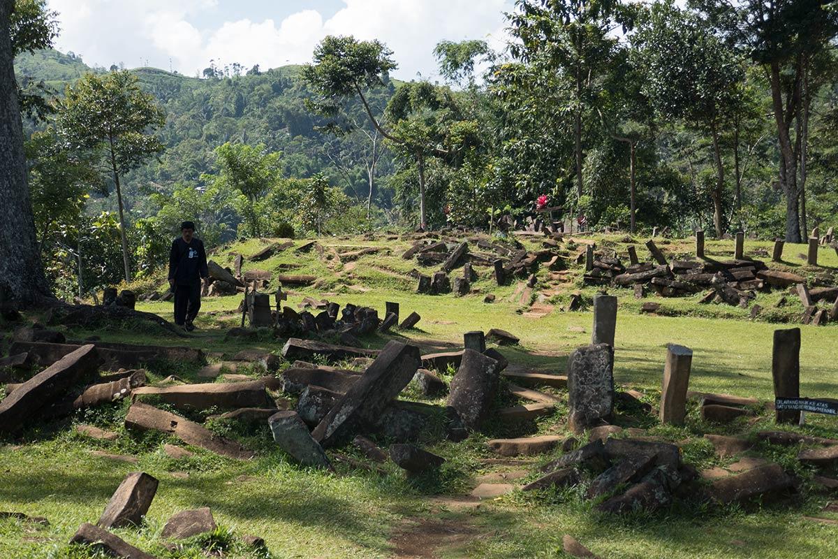 Gunung-Padang-Java-6-1200