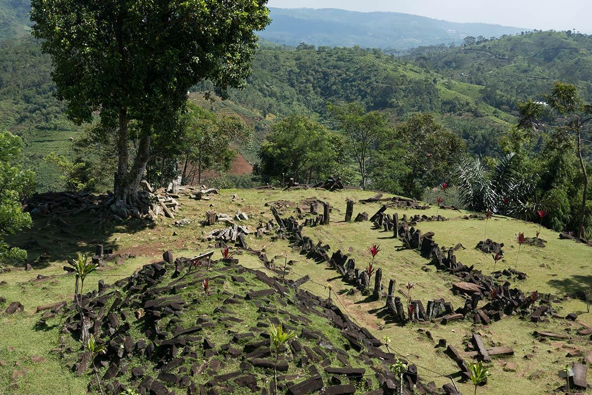 Gunung-Padang-Java-17-1200
