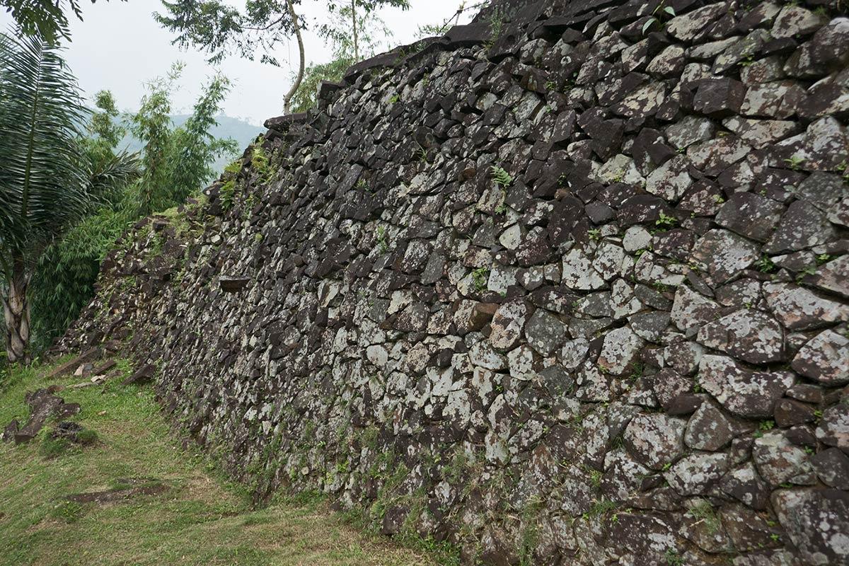 Gunung-Padang-Java-21-1200