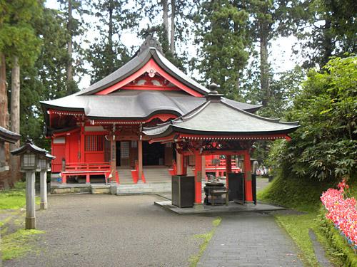 Haguro San Haguro San, Sanjin Gosaiden, angrenzender Tempel