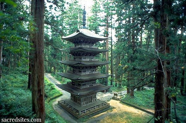 Haguro San, Go-Jyu-No-To Fünfstöckige Pagode