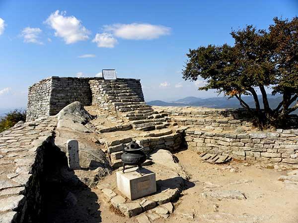Altare di Chamseong-dan, mt. Mani-san, isola di Ganghwa-do