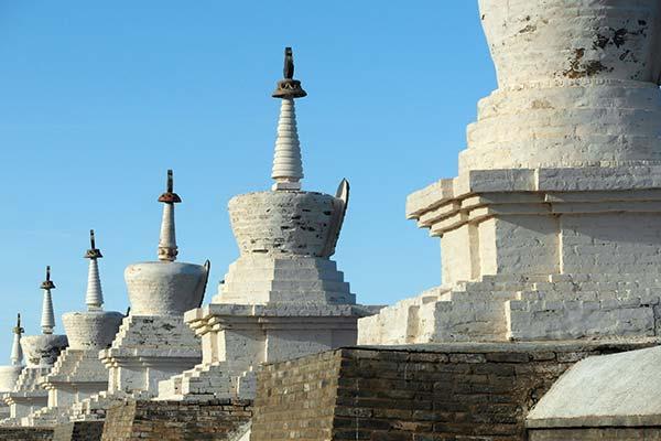 एर्दीन ज़ू मठ के आसपास की दीवारें