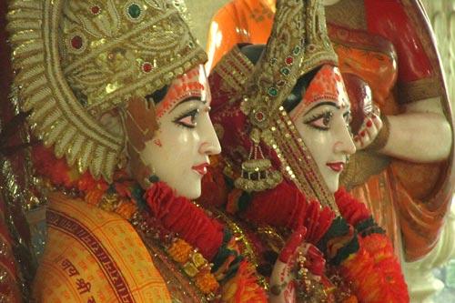 janakpuri-ram-sita-statue-1