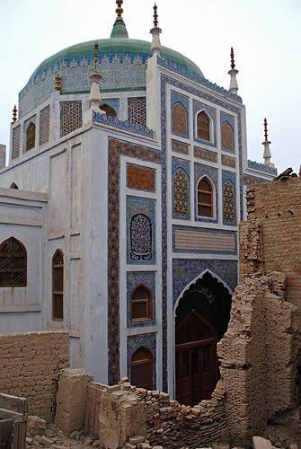 Santuario de la guerra Mubarak, Sukkur