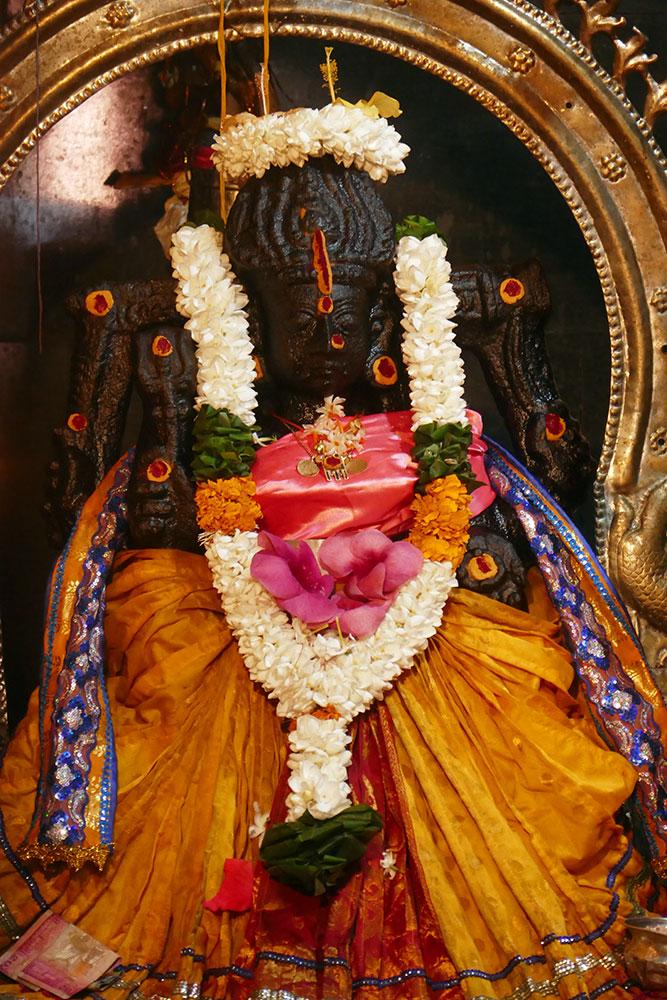 Statue de Sri Muthumariamman Thevasthanam