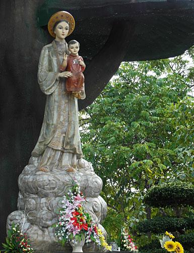 la-वांग-मेरी-प्रतिमा -1