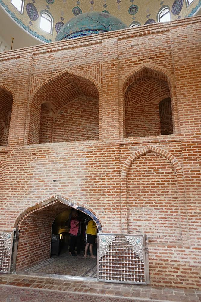 Ganja, Imamzadeh-Mausoleum