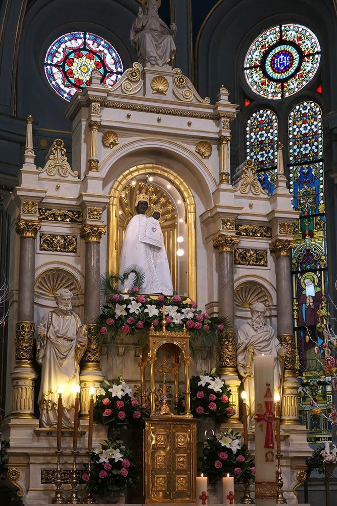 Kirche Unserer Lieben Frau von Bistrica, Marija Bistrica. Hauptaltar mit Ikone der Schwarzen Madonna.