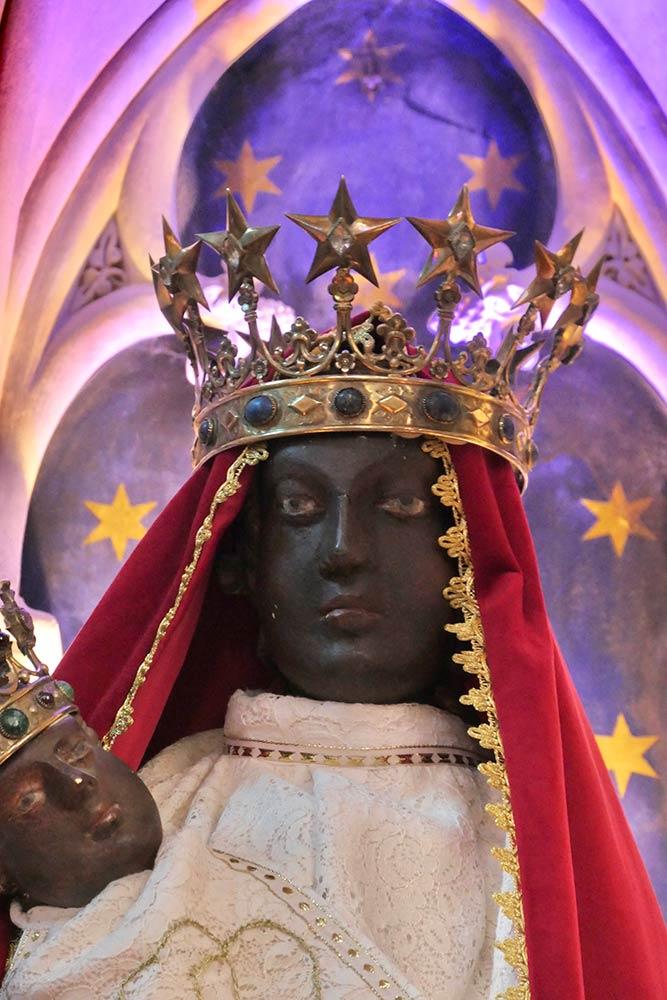 Basilique Notre-Dame de la Délivrande, Douvres-la-Délivrande, icona sacra di Maria e Gesù bambino