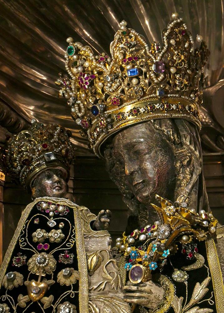 Statue de Marie, sanctuaire de Notre-Dame d'Altötting, Altötting