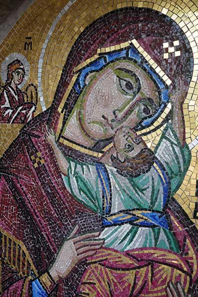 Mosaico de María con niño Jesús, Monasterio de Hozoviótissa, Isla de Amorgos