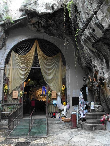 sicily palermo santuario santa rosalia montepellegrino तीर्थ प्रवेश द्वार