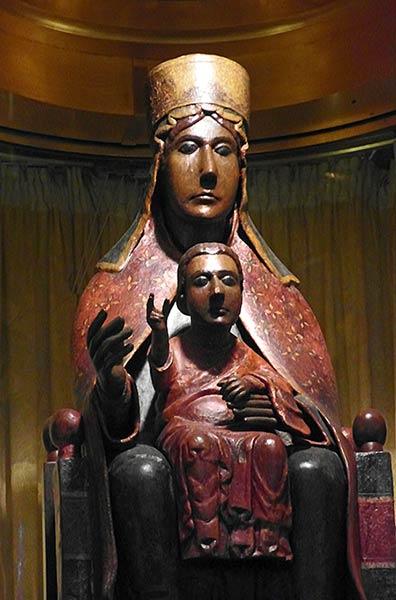 सिरीली टिंडारी संतरियो मारिया डेल टिंडारी की मूर्ति
