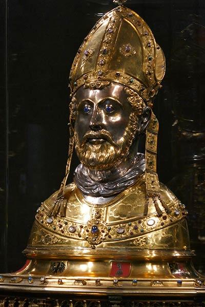 Bronzestatue des hl. Servatius