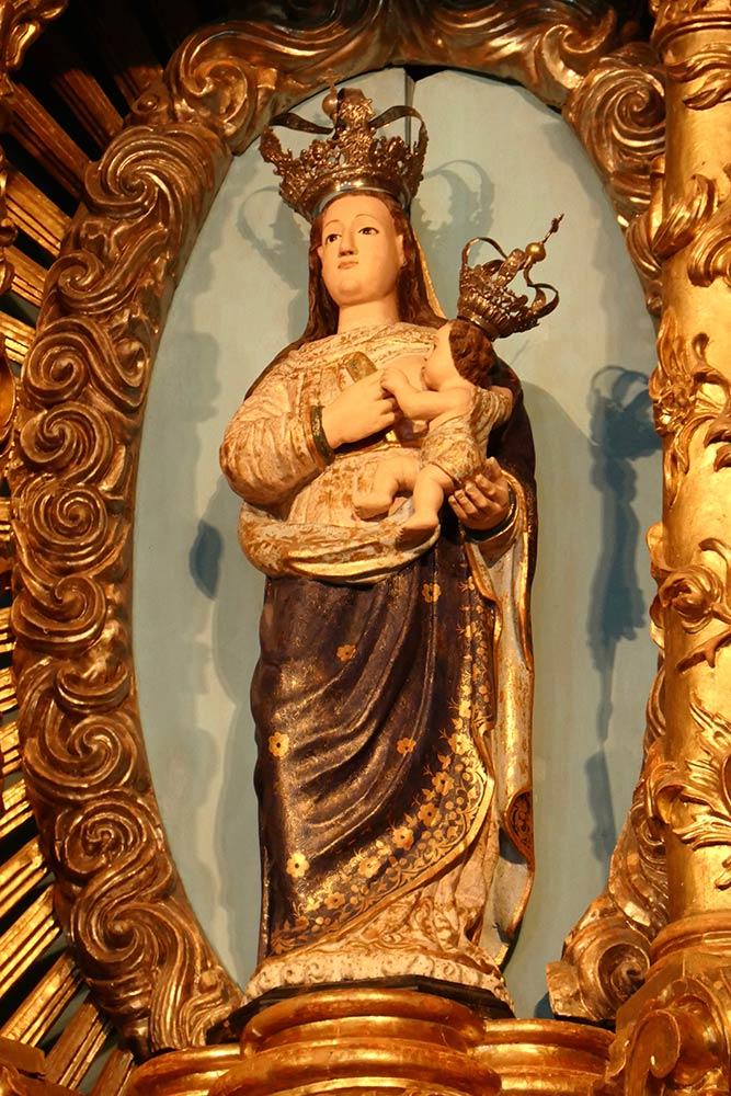 Lamego, Santuário De Nossa Senhora Dos Remédios, statua di Maria