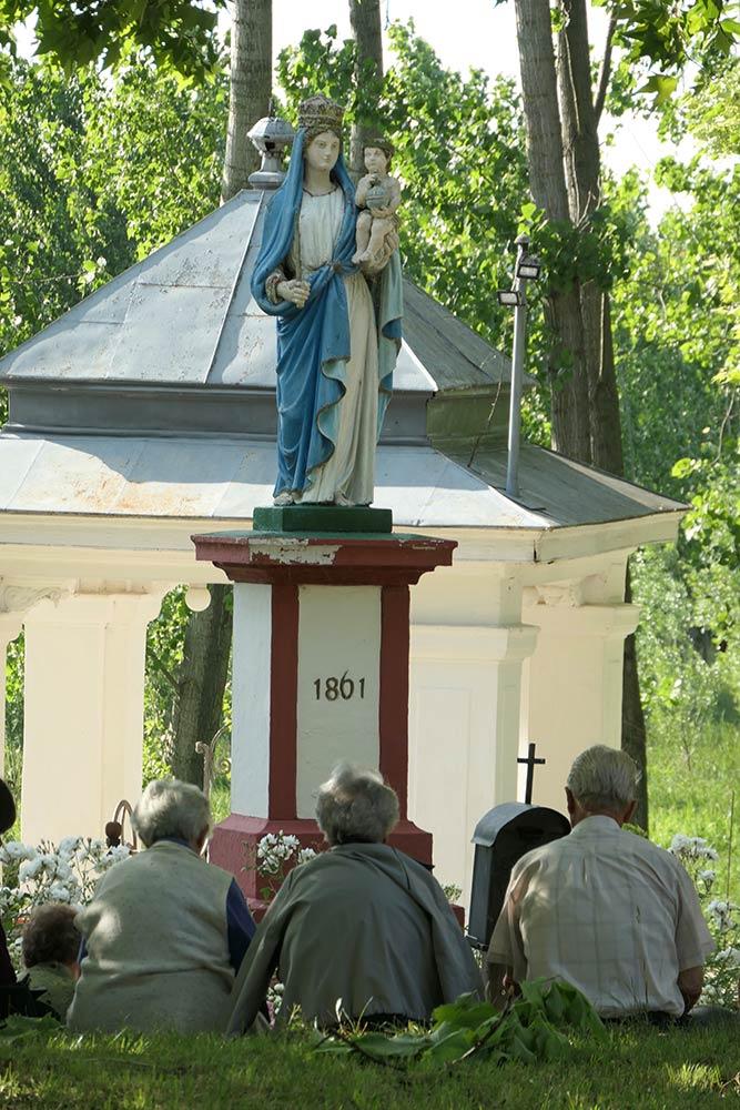 Sombor, santuario de la fuente de la milagro de la santa madre