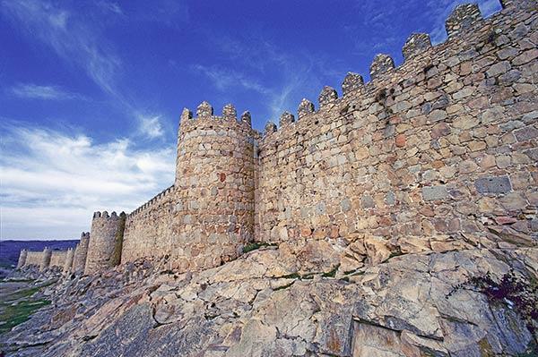 каменные стены avila 600