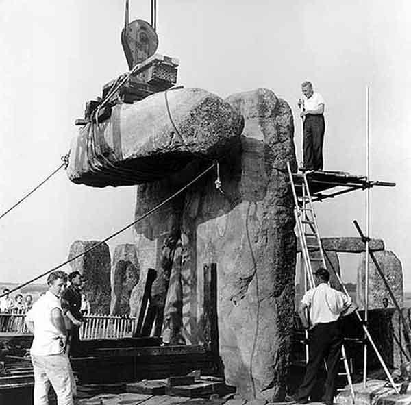 reconstruction de stonehenge 600