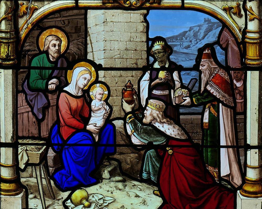 Kirche von Saint-Aignan, Chartres. Drei weise Männer überreichen dem Jesuskind in der Nacht seiner Geburt Geschenke. Matthew 2: 1-12.
